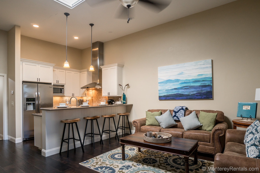 Ain't Life Grand? - Pacific Grove Vacation Rental -2 Bedroom Walk To Beach Home