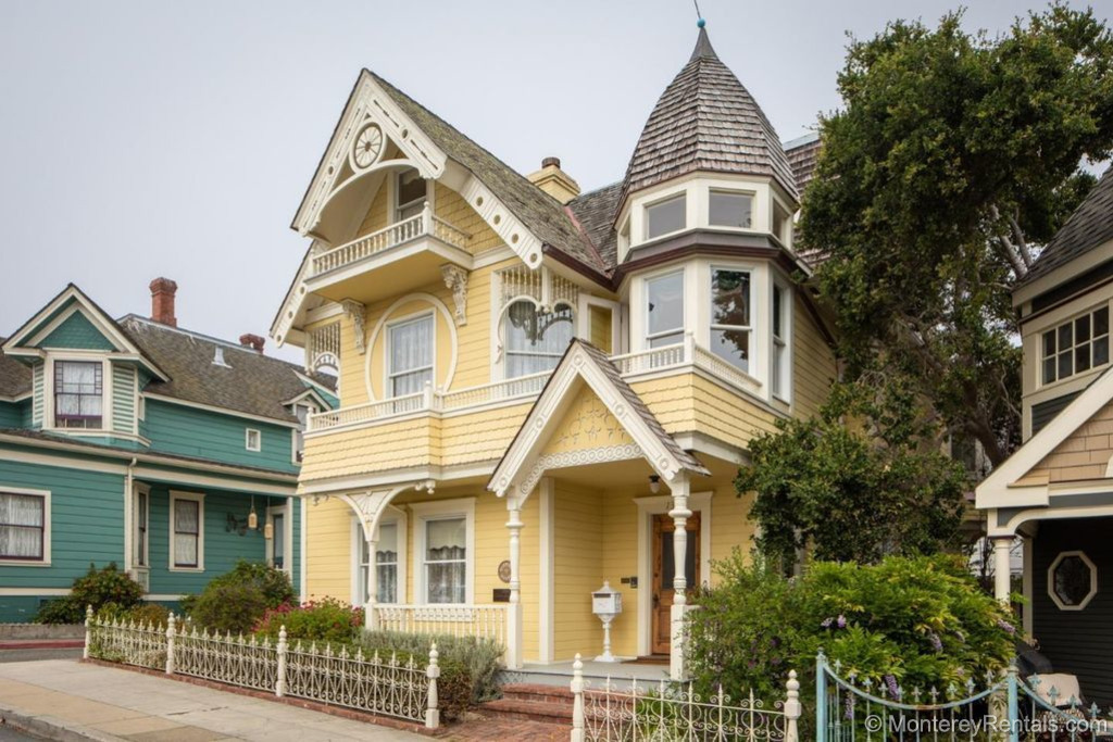 Daffodil House - Pacific Grove